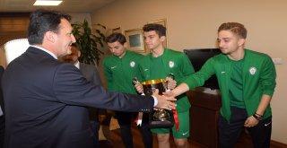 Başkan Dündar, Şampiyon Hürriyetsporu Ağırladı