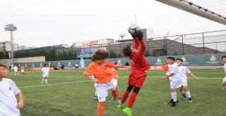 İBB Akademi Kupası Şampiyonu Galatasaray Oldu