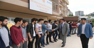 Başkan Dündar Öğrencilerin Sofrasına Konuk Oldu