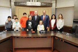 Kemal Kılıçdaroğlu Mudanyalı Öğrencileri Ağırladı