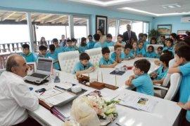 Başkan Türkyılmaz, öğrencilere yerel yönetimleri anlattı