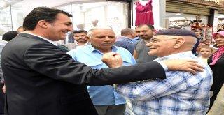 Başkan Dündar Çarşı Esnafı İle Bayramlaştı