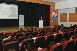 Bozbey öğrencilere inovasyon çalışmalarını anlattı