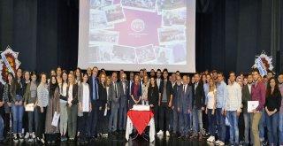 Gümrükçüoğlu,TEV'in başarılı öğrencilerini ödüllendirdi