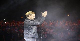 Nusaybinli Gençler Emre Aydın konseri ile coştu