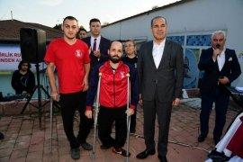 Başkan Sözlü'yü 'Engelsiz Mehter Takımı' Karşıladı