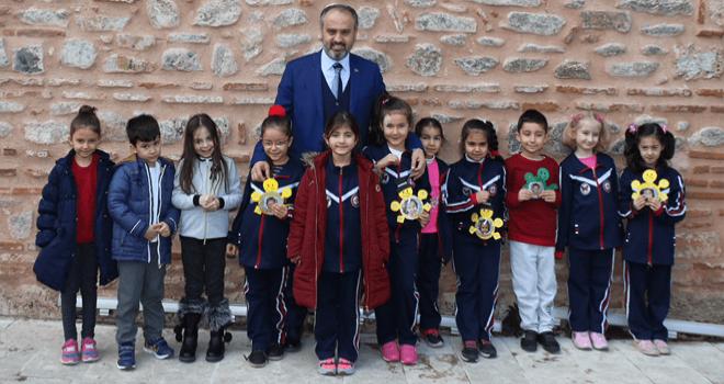 Başkan Aktaş: 'Bursa'nın geleceği çocuklarla değerli'