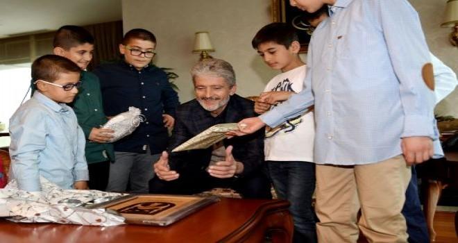 Başkan Tuna,  çocuklarla  buluştu.