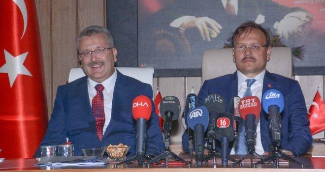 """Çavuşoğlu: """"Karacabey büyük ölçekli yatırımlara kavuştu"""""""