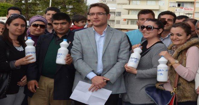 AK Parti İl Gençlik Kolları'ndan Protesto