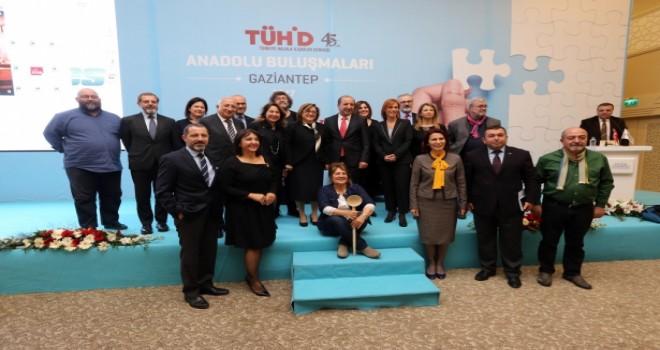 TÜHİD Anadolu Buluşmaları Divan Otel'de gerçekleşti.