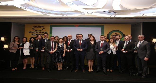 En Beğenilen Kamu  Çağrı Merkezi  : İBB 153  seçildi