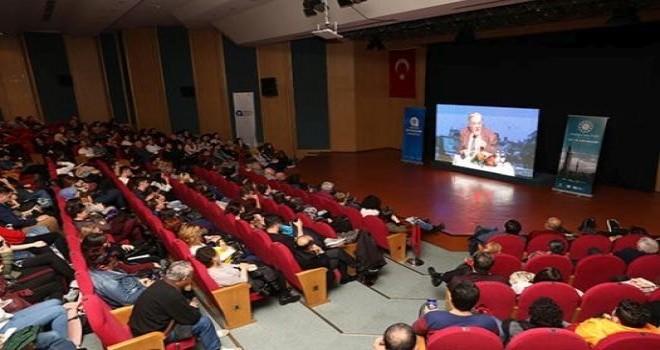 İlber Ortaylı 'Dünya Türkiye'yi kolay hazmedemez'