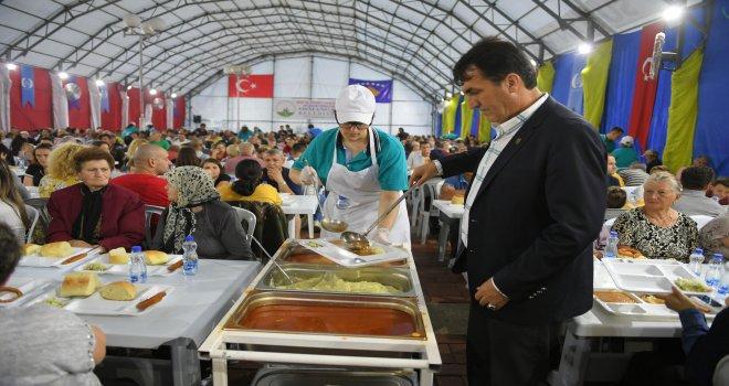 Osmangaziden Kosovada Gönül Sofrası