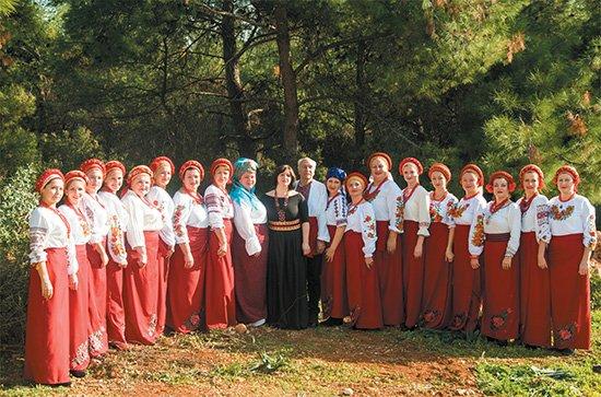 Ukraynalı kadınlar ilahi ve Çanakkale türküleri söyleyecek