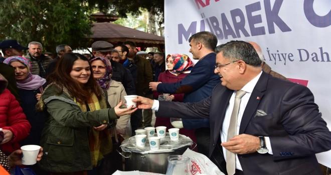 Mevlid Kandili dolayısıyla  Osmanlı geleneği olan süt ve helva ikramı yapıldı.