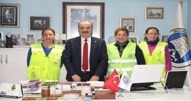 Başkan Türkyılmaz,Ankara'ya yürüyen kadınları ağırladı