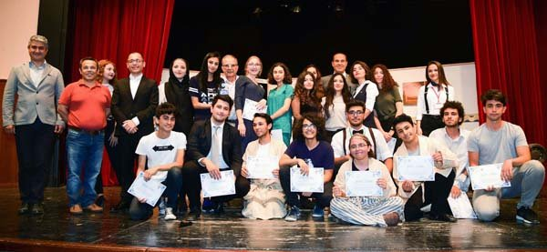 Adana'da Liseli Gençler Tiyatroya Doydu