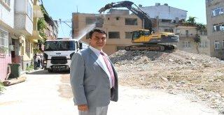 Soğanlıda Riskli Alandaki Binalar Yıkılıyor