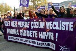 KADINLARIN SESİ BURSA'DA YANKILANDI: ŞİDDETE HAYIR!