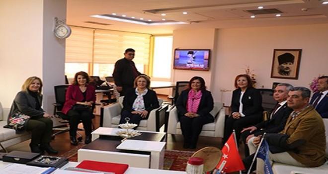 CHP Kadın Kolları'ndan Çerçioğlu'na ziyaret