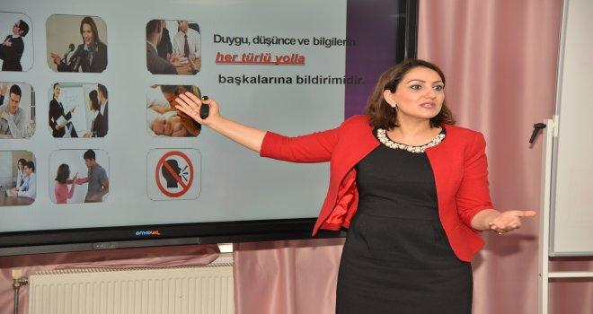 Diyarbakır Büyükşehir'de personele temel iletişim eğitimi