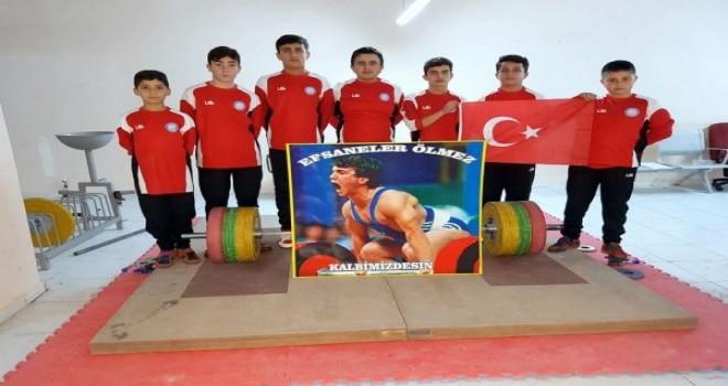Belediye Sporun Haltercilerinden Efsane Ustaya Vefa