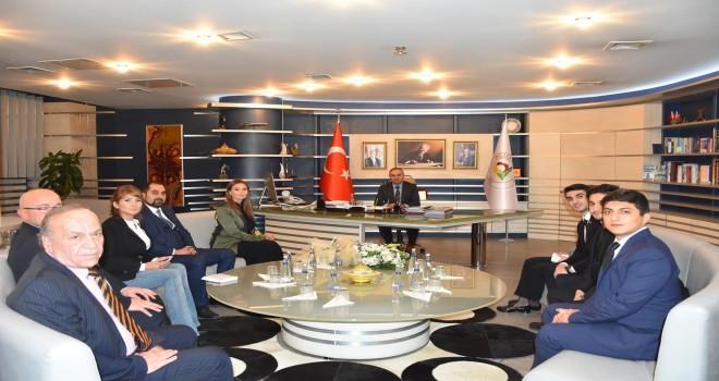 Azeri Vekilden Başkan Ay'a Ziyaret