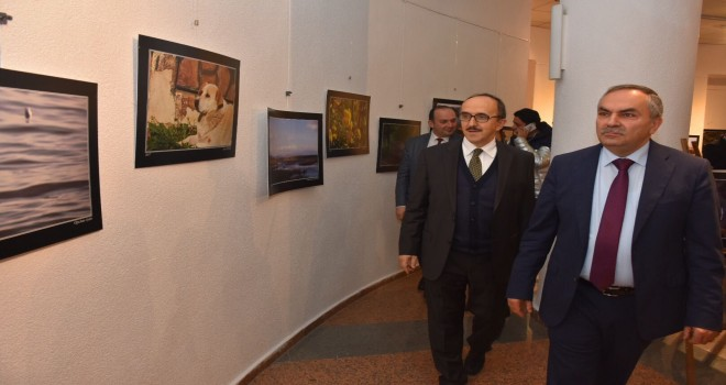 Başkanı Dursun Ay, 'Maviden Yeşile' fotoğraf sergisi açılışına katıldı.