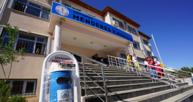 Okullara Bank ve Çöp Kovası
