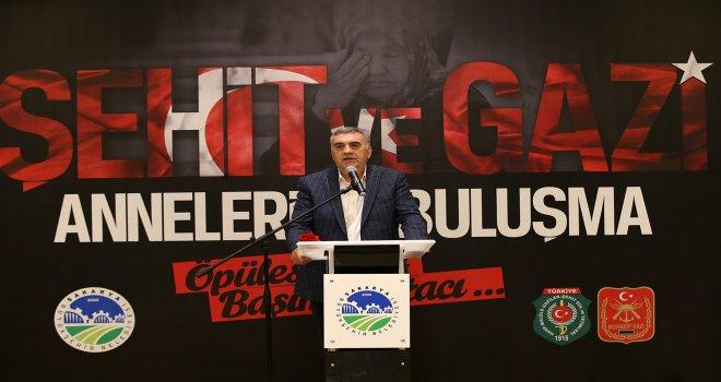 Başkan Toçoğlu ,'Şehit ailelerimizin emrindeyiz'