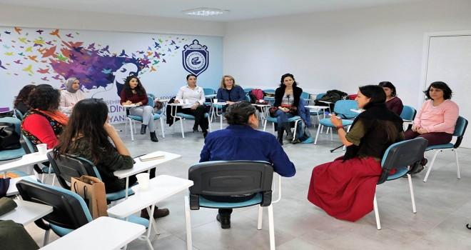 Gönüllüler,Eskişehir'deki hasta çocuklara masallar anlatacak.